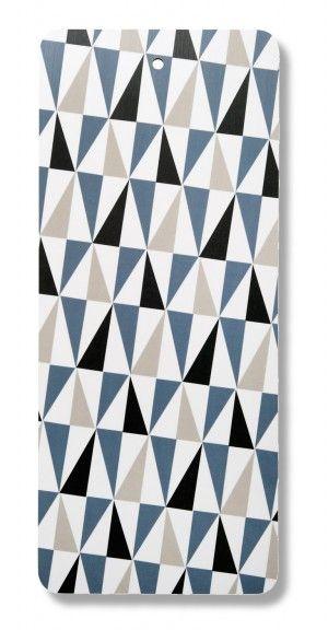 Skärbräda: tivoli blå  Material: Melamin, hdf  Storlek: 40x17 cm  Skötsel: Handdisk  Design: Barbro Tryberg Boberg