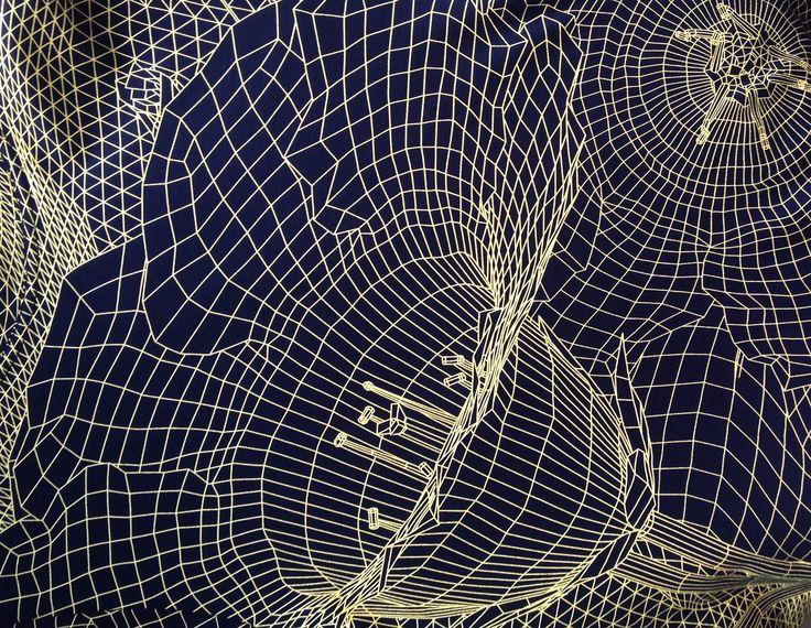 Цифровые и футуристичные принты на футболках Christopher Kane в наличии в Mixshowroom. Подробности о коллекции и дизайнере читайте в нашем блоге.  #kane #fashion #mixshowroom #print #trehgorka #moscow #christopherkane #versus
