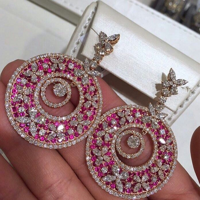 Graff buterfly Earring with ruby and Diamonds Royal Diamond jewellery