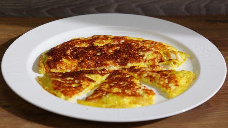Ricetta Uova con la scamorza: Uova con la scamorza, un secondo piatto velocissimo e davvero goloso soprattutto per chi ama l