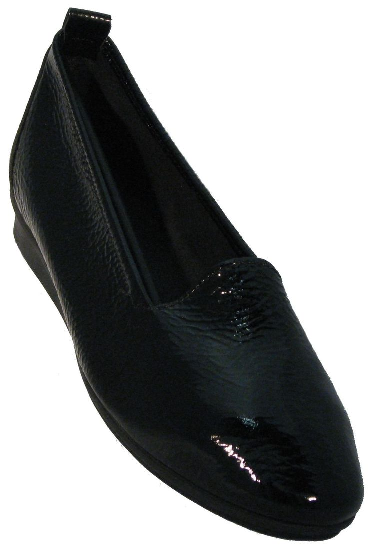 Arche Women's 'Ninolo' Black Patent Flat. Glove Soft Patent Leather Upper. Leather Wrapped and Padded Footbed. 100% Natural Latex Sole. Elasticized Topline For Precise Fit. Sole Designed for Maximum Shock Absorbtion and Comfort.