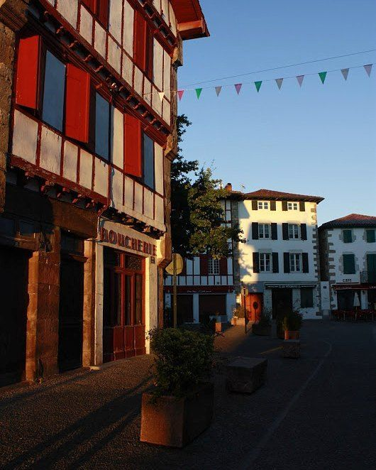 I ran today into a wonderfully delicious ig profile of @paysbasque_net and even if I'm still thinking about last weekend in the Wild East  I couldn't resist... so there you go! here's one of my favourite early morning snapshots from the cute little village of Espelette. The place is known for its piment d'Espelette - dried paprika. .  Have you ever tried it?  .  #espelette #aquitaine #france #igersfrance #francjaelegancja #paisvasco #paysbasque #morning #dawn #camino #caminodesantiago…