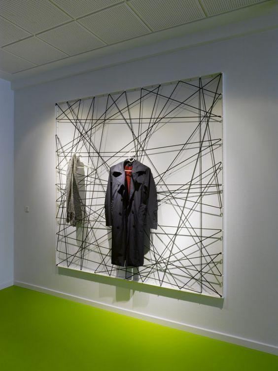 Diese Garderobe sprüht nur vor Kreativität. Der absolute Hingucker im Eingangsbereich eines jeden Eigenheims.