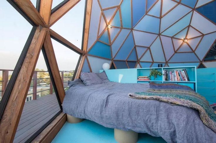 """Artist's Exceptional Geodesic """"Domestead"""" in Glassell Park"""