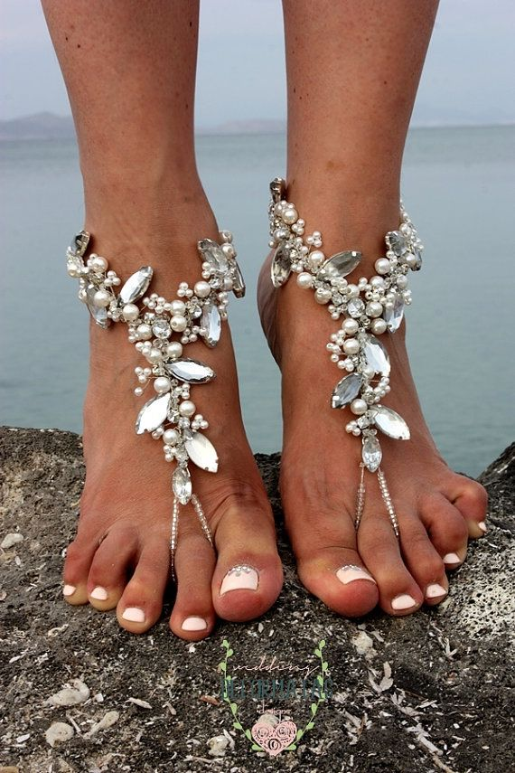 ❤A paar stilvolle, glitzernden Hochzeit barfuß Sandalen mit Shimmer❤  Inspiriert von natürlichen Formen und Bewegung. Unsere neuen