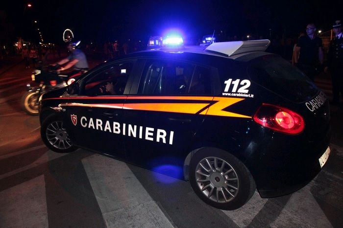 Sorpreso mentre cede cocaina a un evaso: arrestato un pusher - http://www.sostenitori.info/sorpreso-cede-cocaina-un-evaso-arrestato-un-pusher/229532