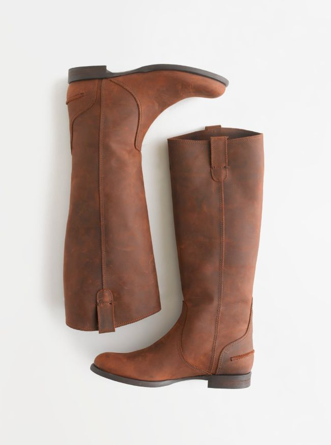 Madewell Archive boot in distressed leather.