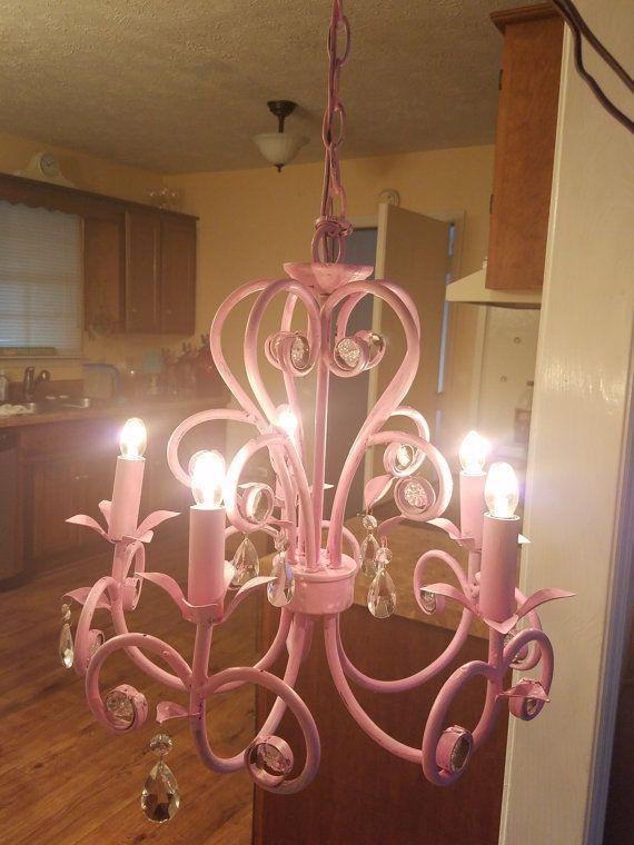 Shabby Chic rosa - rosa - Nursery rosa Lampadario - Lampadario dipinto Lampadario - Lampadario nuovamente arredate Lampadario  Dimensioni: 15 x 16 35 vasta catena alta