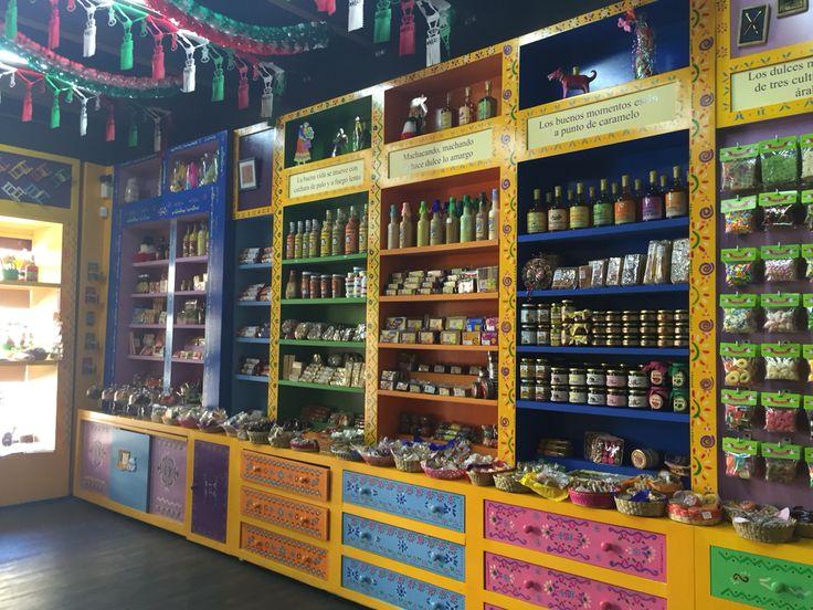 Visita esta dulcería con sabor a México  Centro Historico de Querétaro.