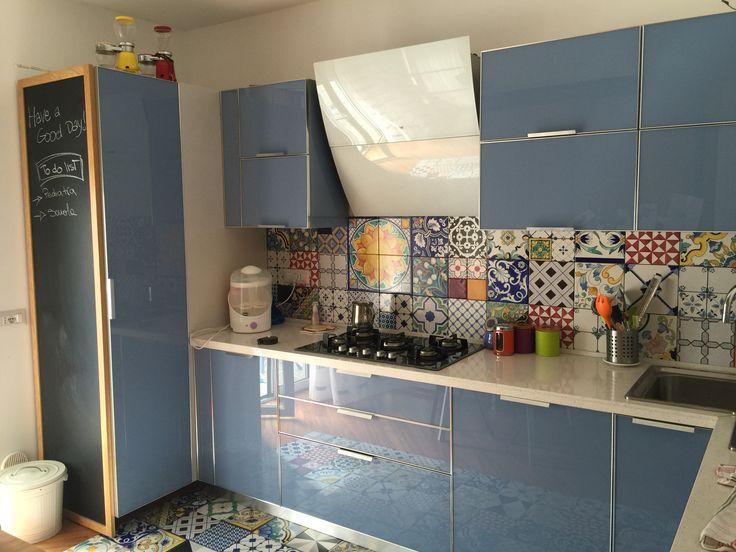 My kitchen #vetroeceramica #ceramicadivietri #patchwork e #pitturalavagna
