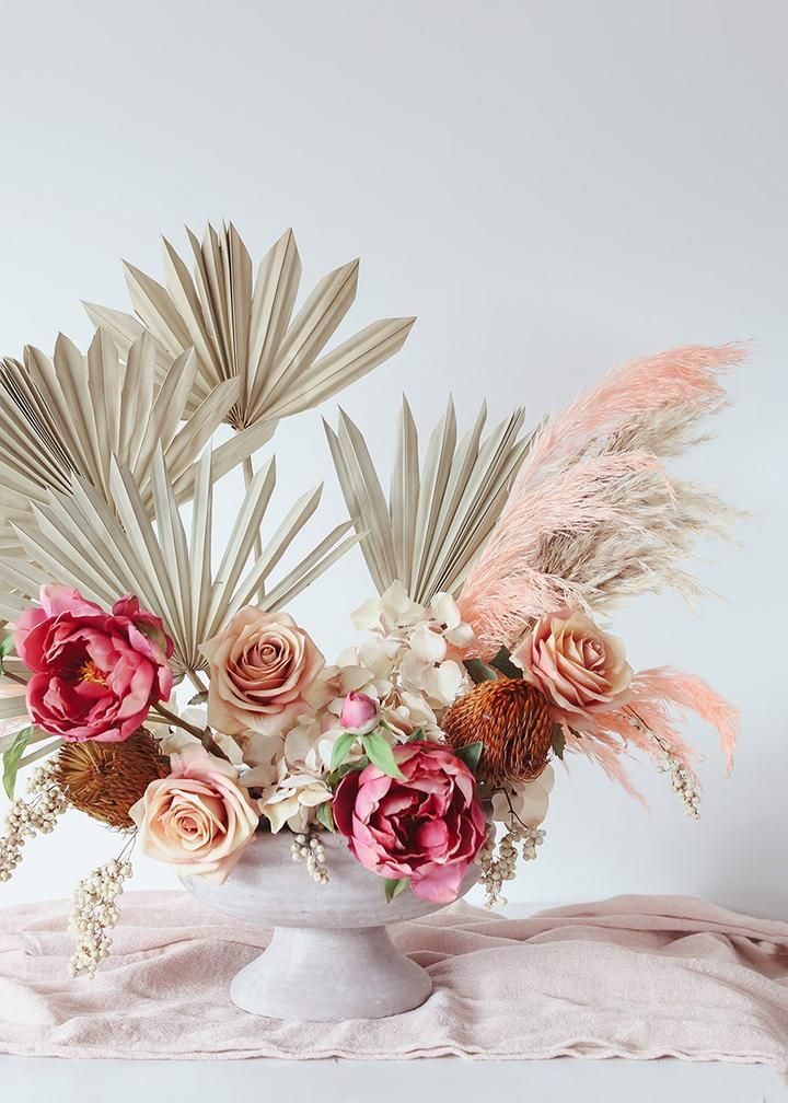 Smooth Pink Dried Pampas Grass Dried Grasses Flowers Afloral Com In 2020 Faux Flowers Pink Pampas Grass Artificial Flower Arrangements