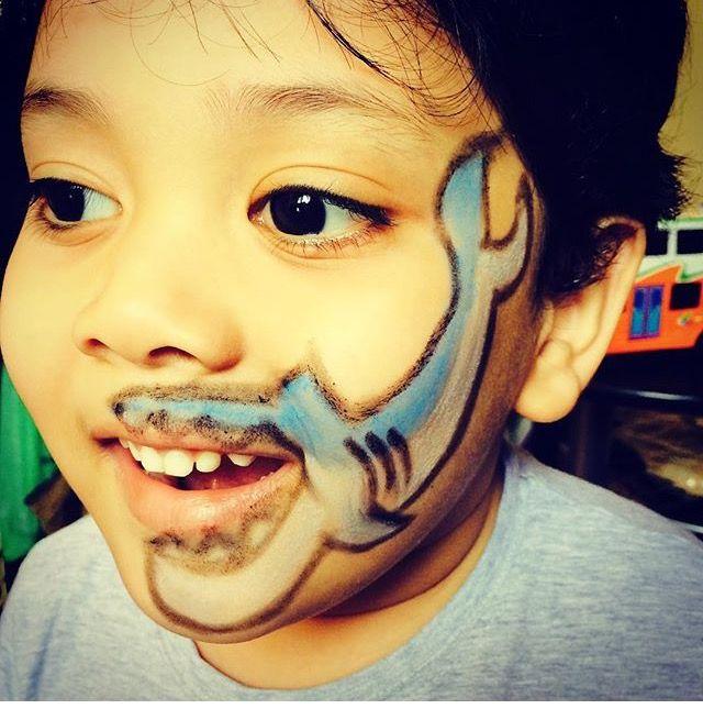 shark face paint