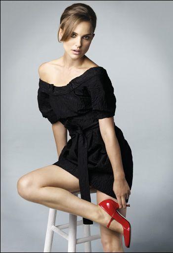 Natalie Portman.Natalie Portman, Vegan Shoes, Awesome, Cute Dresses, Natalieportman, Beautiful, High Heels, Portman Vegan, I Heels