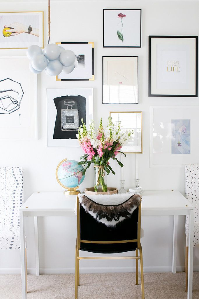 SO many great DIYs!: Evolution Galleries, Chic Diy, Small Apartment, Black Frames, Apartment Brimmed, Galleries Wall, Design Evolution, Black And White Gold Feathers, Nice Galleries