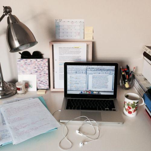 sudoingstuff:Essay due in two days! Really gotta hustle ✨