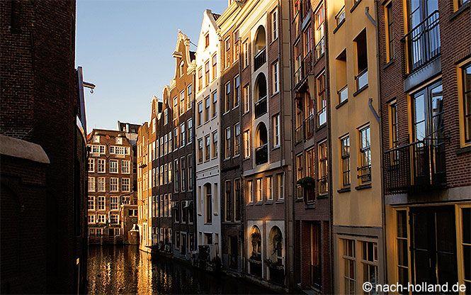 Parkplätze in Amsterdam sind rar und teuer. Meine Tipps für Hotels mit bezahlbaren Parkplätzen.