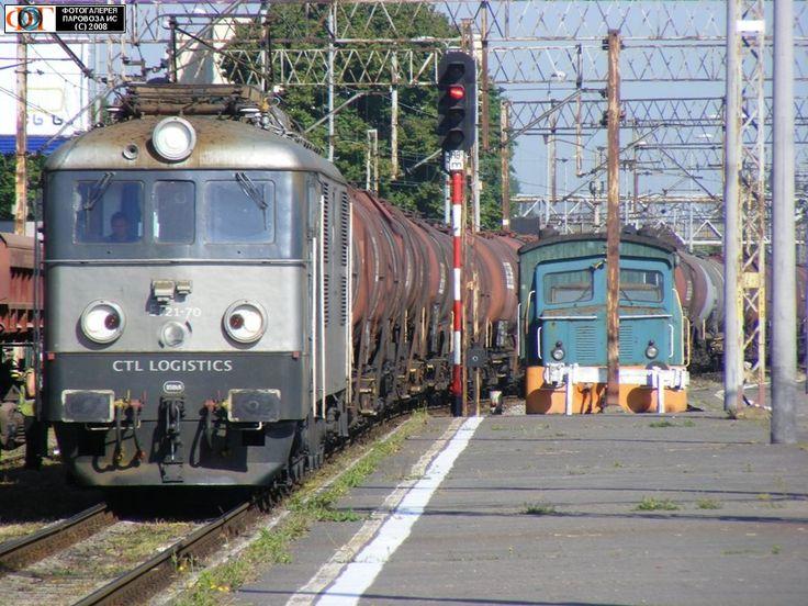 Электровоз ET21-70 с поездом с цистернами на ст. Гдыня-Главная, Польша
