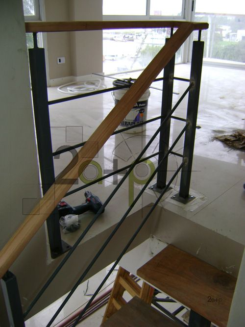117 mejores im genes sobre barandas de escalera en - Barandas de escaleras de madera ...