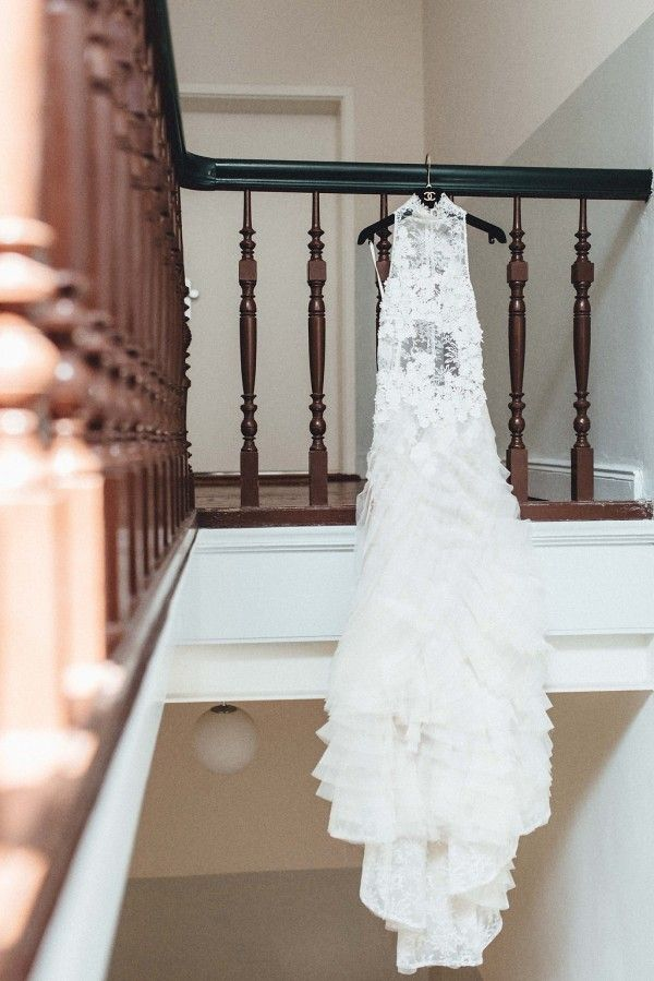 Elegantly boho bridal style | Image by Kreativ Wedding