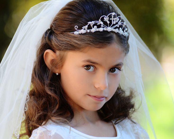 Girl S Hair Style: 25+ Best Ideas About First Communion Hair On Pinterest