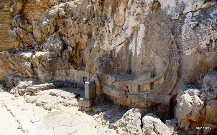 Барельеф кормы древнегреческого военного корабля. Линдос, остров Родос.