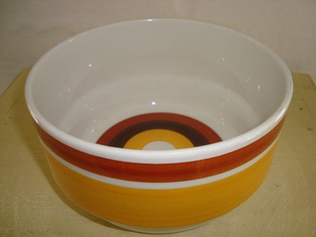 """RÖRSTRAND """"Fokus"""" - 1970-79.  #rörstrand #fokus #swedish #carlharrystålhane #design #retro #dinnerware #bowl #skål #svensk #forsale #sælges on www.TRENDYenser.com."""