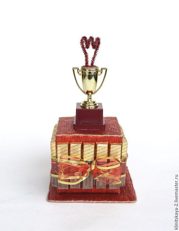 """Купить Кубок из конфет """"За кипучую деятельность!"""", подарок на выпускной - торт из конфет, сладкий подарок"""