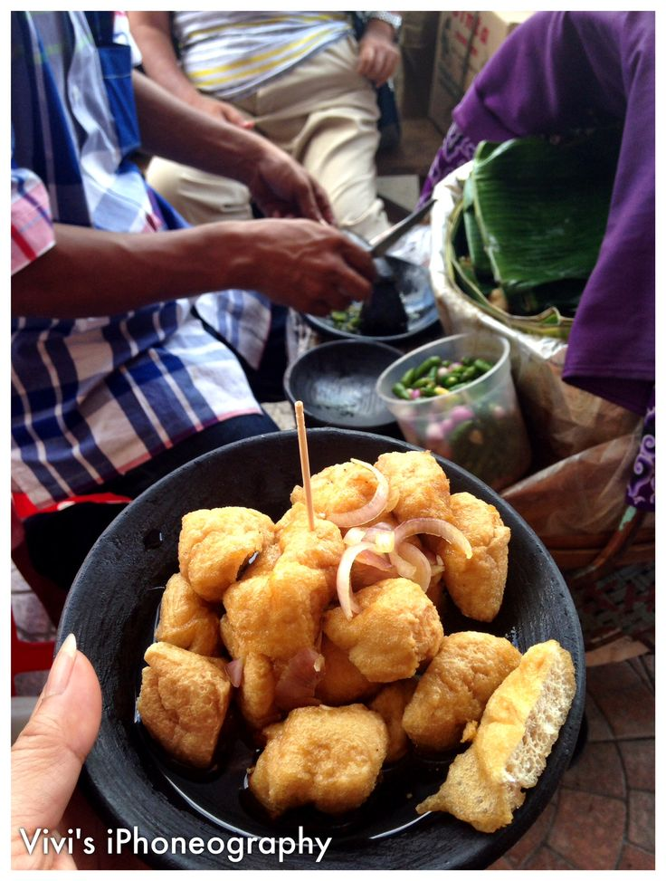 Tahu Gejrot a delicasy of the ciry if Cirebon - Indonesia. Special tofu eaten with a special sauce consist of sweet soysauce, shalots, green bird's eye chilli. Copyrights Vivi Kembang Tanjoeng