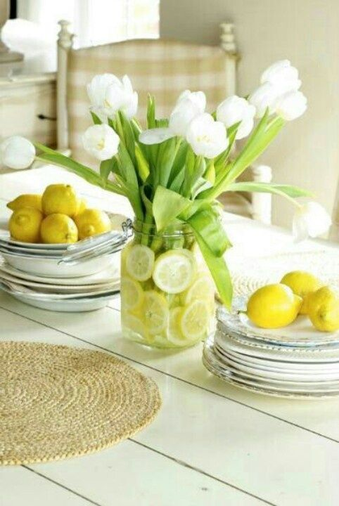 Spring Tablescapes | Spring Table Settings | Easter Table Settings