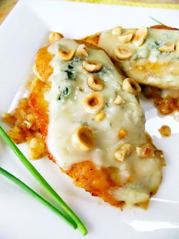 Chicken with Gorgonzola and Toasted Hazelnuts