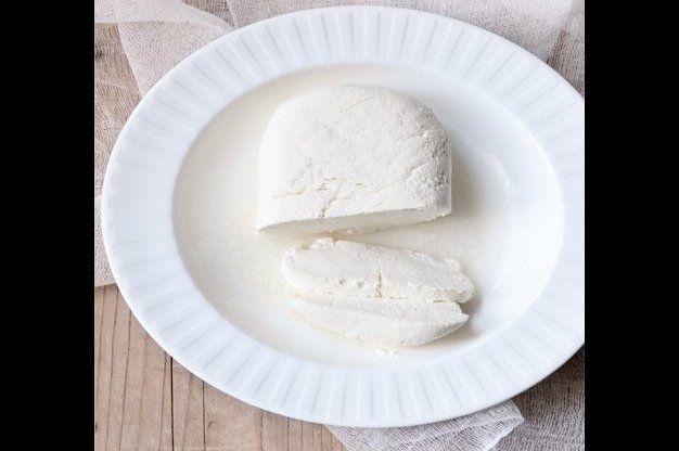 Domácí čerstvý sýr | Apetitonline.cz