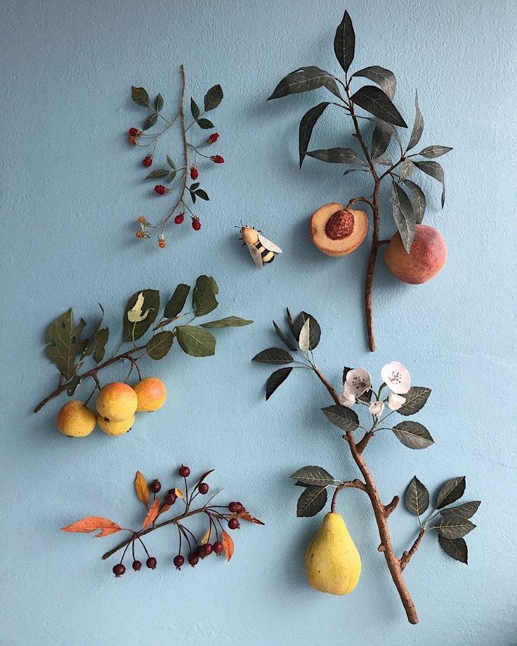 Obst und Gemüse aus Papier von Ann Wood   Die Künstlerin Ann Wood bastelt gerne. Und sie interessiert sich sehr für die Natur. Was also lag für si…
