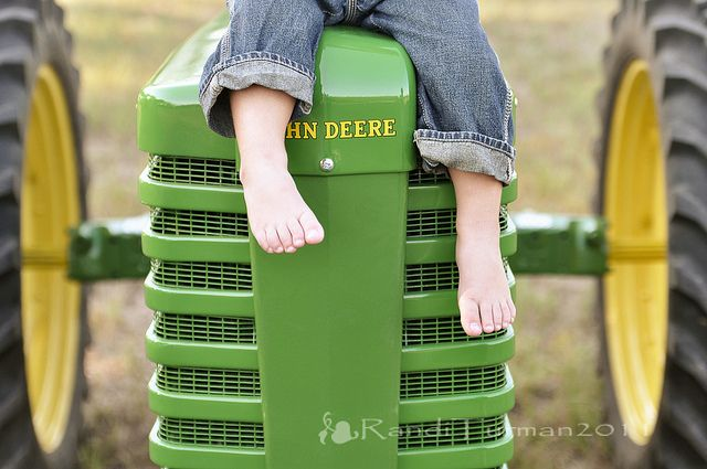 Tractor Room - Cute to take pictures of your kid on a tractor & decorate the room with it.