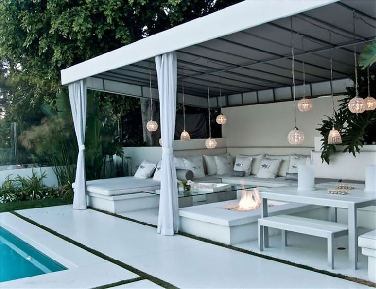 Diy outdoor cabana beverly hills cabana with for Outdoor pool decorating ideas