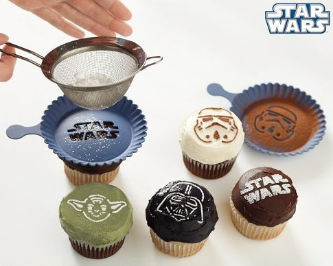 Star Wars cupcake stencils star-wars: Idea, Cupcake Rosa-Choqu, Recipe, Food, Star Wars, Cupcake Stencil, Starwars, Birthday Party, Stars War Cupcake