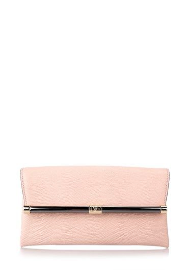Evening #clutch by #DianeVonFurstenberg in light #pink lizard effect leather with a delicate #glitter finish. Automatic closure under the flap, gunmetal metal bar with engraved logo, lined interior, side zip pocket and flat #pocket on the back. https://www.alducadaosta.com/eng/product/2032647017