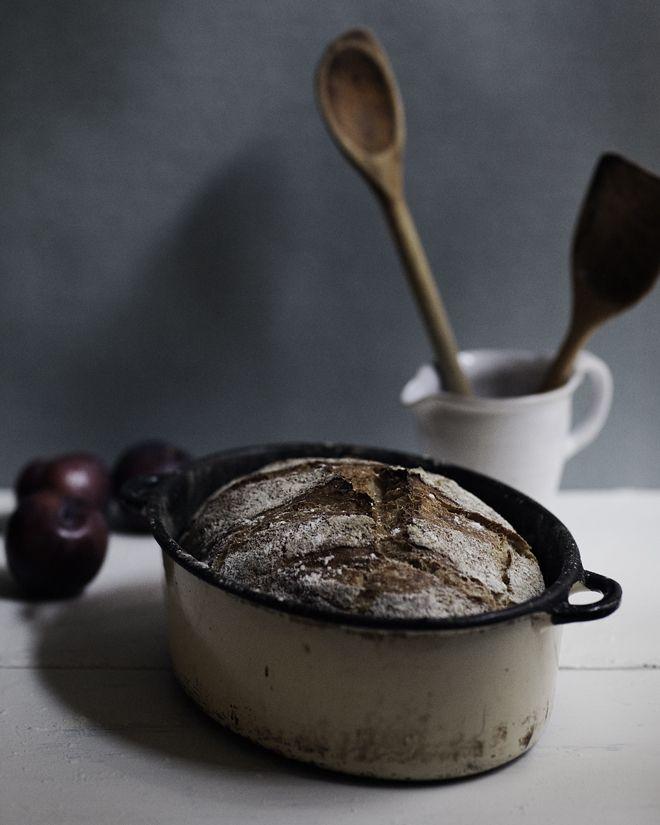 Våra oköttsliga lustar: Bröd i gjutjärnsgryta