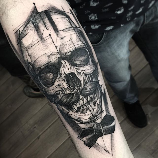 Blackwork-Skull-Tattoo-by-Fredao-Oliveira