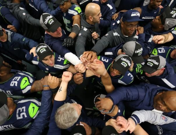 Photos - NFC West Championship postgame celebration