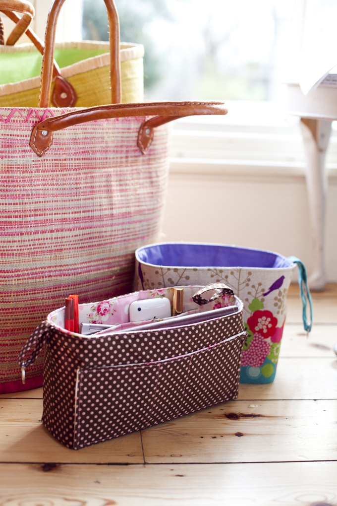 Keep your handbag tidy with bag organisers