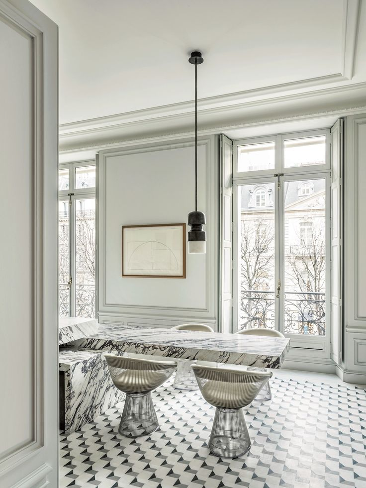 In a majestic 19th-century space in Paris, Joseph Dirand let his imagination run wild, without parameters (not even livability).