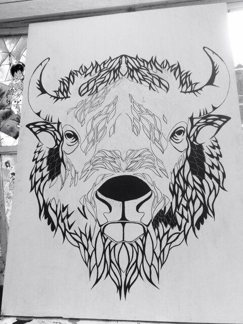Clase de arte, cabeza de bisonte en proceso.........