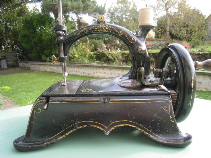 Machine a coudre ancienne de table peugeot n 1 sewing - Table machine a coudre singer ...