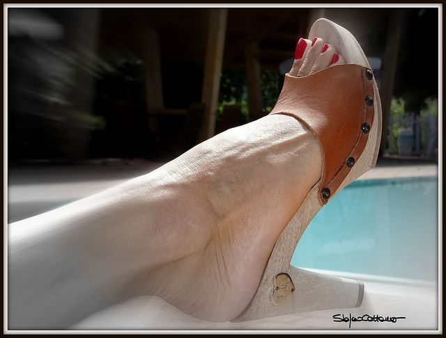 Summer time, clogs time