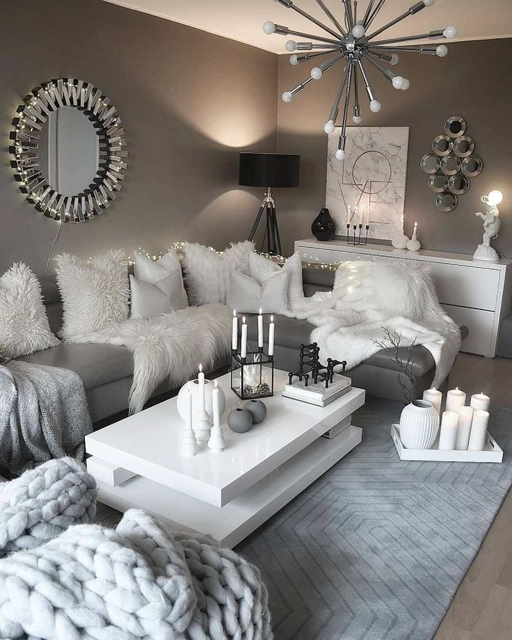 Recréez ce décor de salon confortable blanc et gris #livingroom #decor #shabbych …   – Shabby Chic Decor Tips