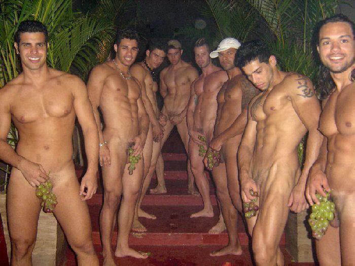 Naked girls tasrering naked guys — photo 2