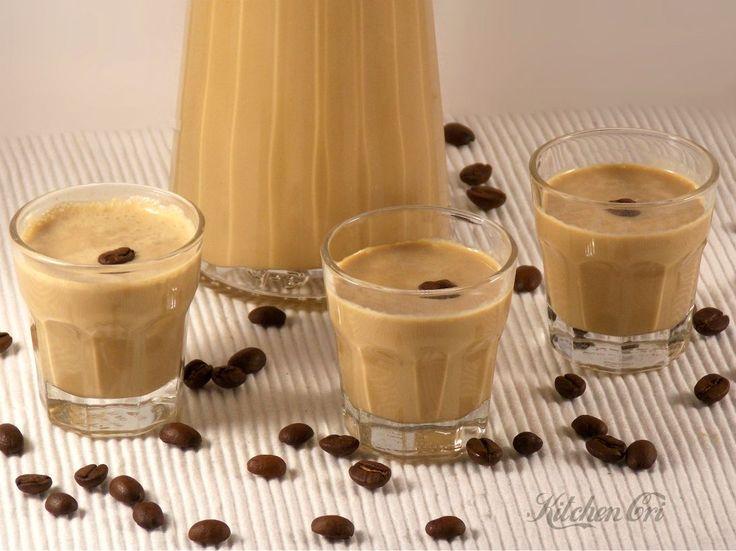 liquore panna e caffè, semplice facile e buonissimo, perfetto come pensierino per diverse occasioni e anche per bagnare dolci o biscotti per preparazioni cremose