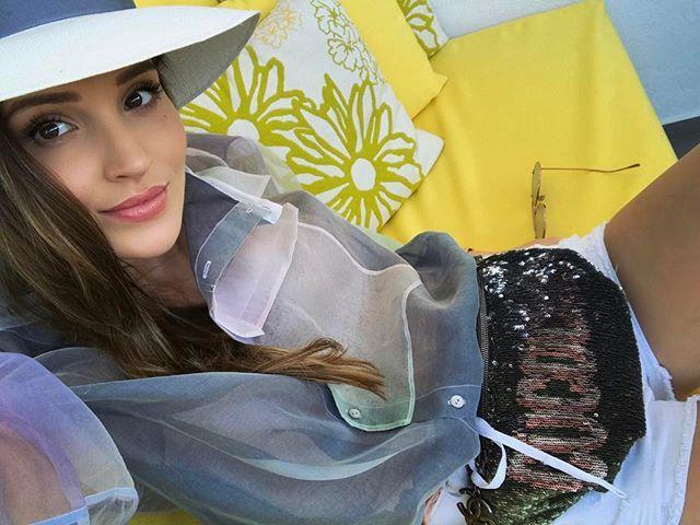 Instagram media by marina_official - Ostatni dzień na Mykonos #selfie #justme #ootd #style #fashion #rainbow #colorfull #chanel #chanelcuba #waistbag #mykonos #greece #greekstyle #summer #summerstyle #mikonos #freshlook #inspiration #positive #happygirl #cococuba #chanelcruise