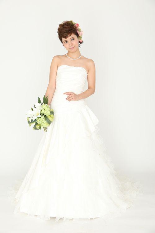 ウェディングドレス lnis128098 ウェディングドレスのレンタルなら大阪ピノエローザへ