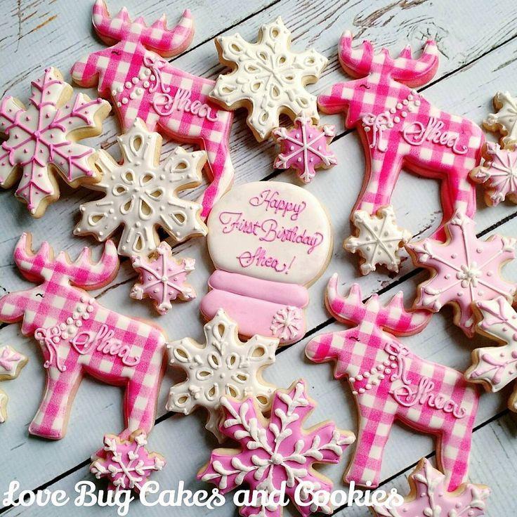 Loving these pink moose! #gingham #pink #moose #snow #winter #birthday #lovebugcookies #decoratedcookies #loudouncounty #leesburg #southriding #ashburn #gifts #cookieart #cute #cookies #pretty #cookieclasses #cookiedecoratingclass #loudouncountyactivity #lovebugstudio #lovebugcookies #decoratedcookies #loudouncounty